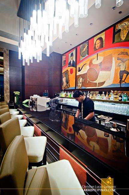 Crimson Hotel Alabang Eight Cafe