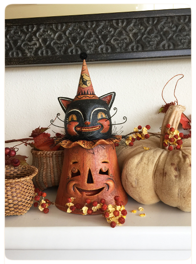 Mary-&-Frank's-Photo-Johanna-Parker-Collection-Halloween-Black-Cat-Folk-Lantern