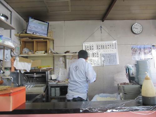 金沢競馬場の金澤玉寿司の店内