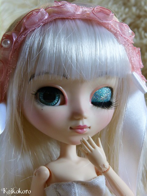 Les Vinyls de Koikokoro~Ileana, little vampire (Icydoll) 21572655829_3eeda35235_z