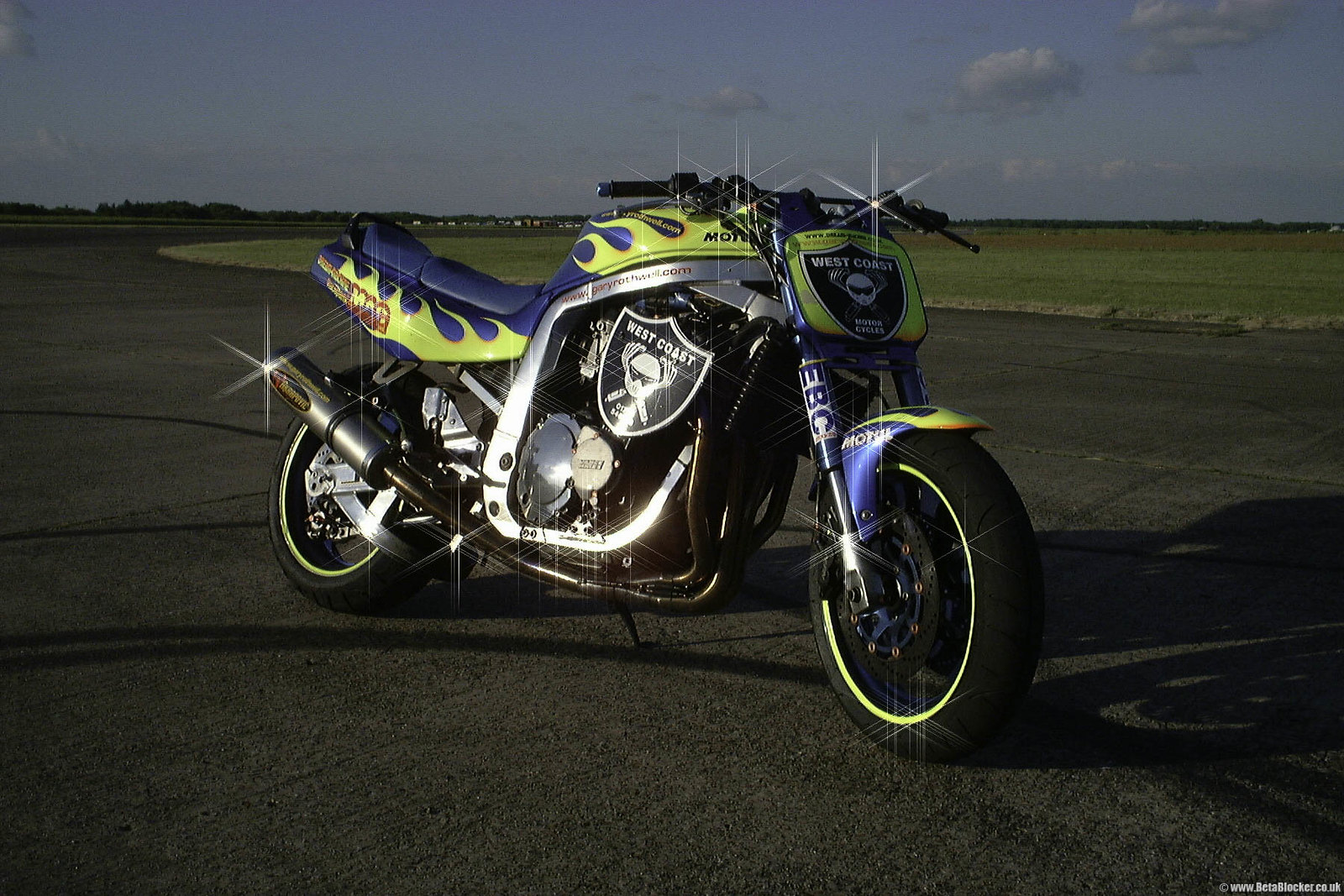 Suzuki GSXR1100 at Bruntingthorpe Proving Ground 2001