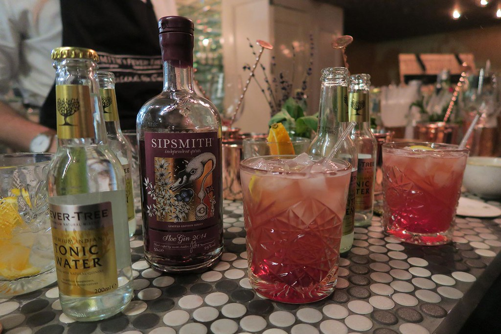 sipsmith-sloe-gin-and-tonic-water