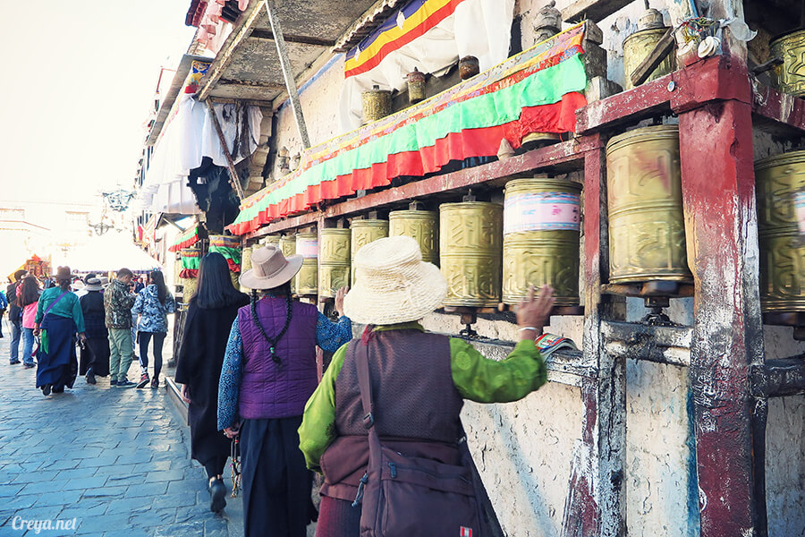 2015.12.09 ▐ Tibet 西藏踢北去 ▐ 尋找藏人真正的拉薩中心,被信仰力量震撼的大昭寺與舊城區 25.jpg