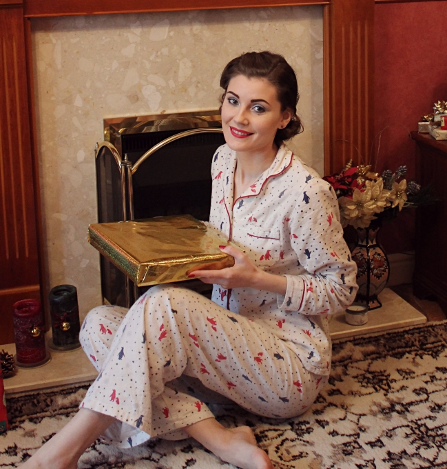 retro pyjamas via lovebirdsvintage.co.uk