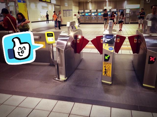 刷卡要記得刷黃色的刷卡機!@ 一卡通通行台北!捷運/公車/YouBike單車租借