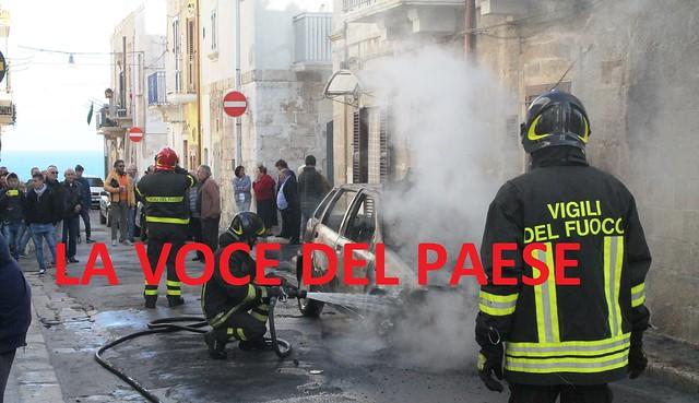 incendio auto polignano