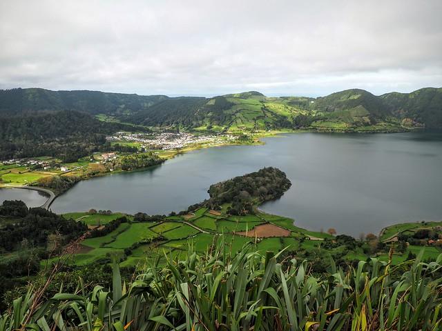 Des lacs sur l'île Sao Miguel...