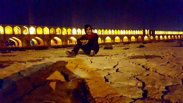 305  / 365 • به اصفهان رو که تا بنگری بهشت ثانی به زنده رودش سلامی ز چشم ما رسانی چه شد آن زنده رود؟ #SaveZayandeRood