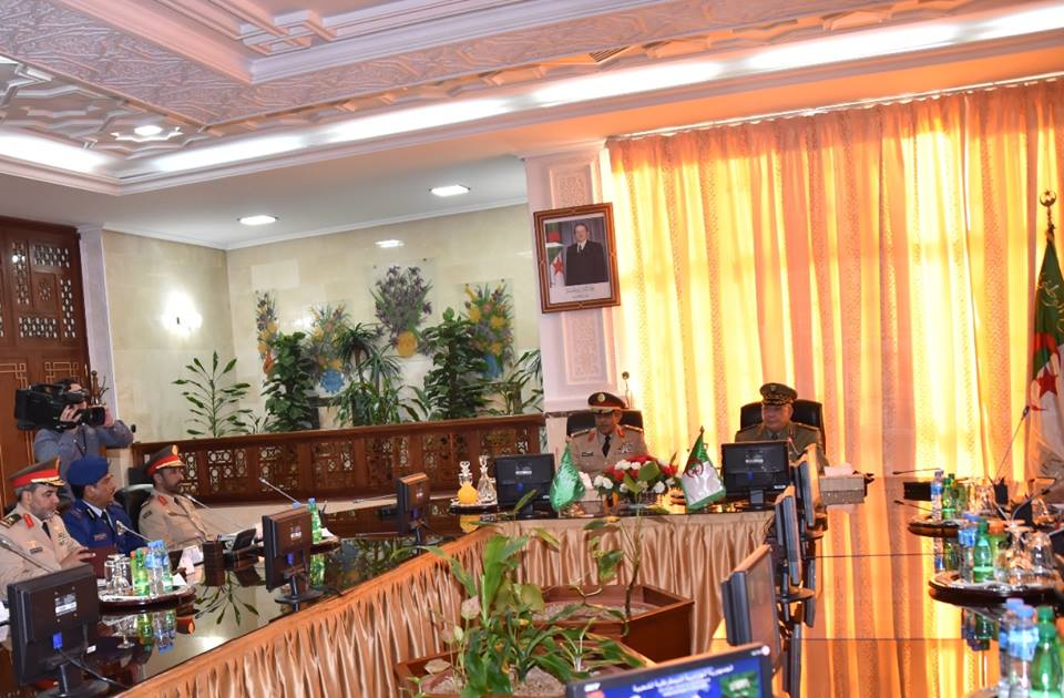 الجزائر : صلاحيات نائب وزير الدفاع الوطني - صفحة 5 30664507492_d807ff8aed_o