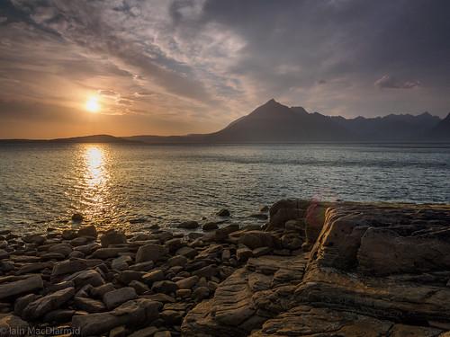 sunset sea sky cloud sun mountain colour skye rock hill shoreline shore coastline cuillin a87 elgol lochscavaig garsbheinn httphighlandscapezenfoliocom olympusem5markii