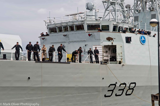 HMCS Winnipeg FFH338