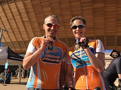 Etape London 2015 - Simon and Clare with finishers medals