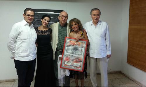 Recibe premio la destacada bailarina y crotalista de México, Sonia Amelio