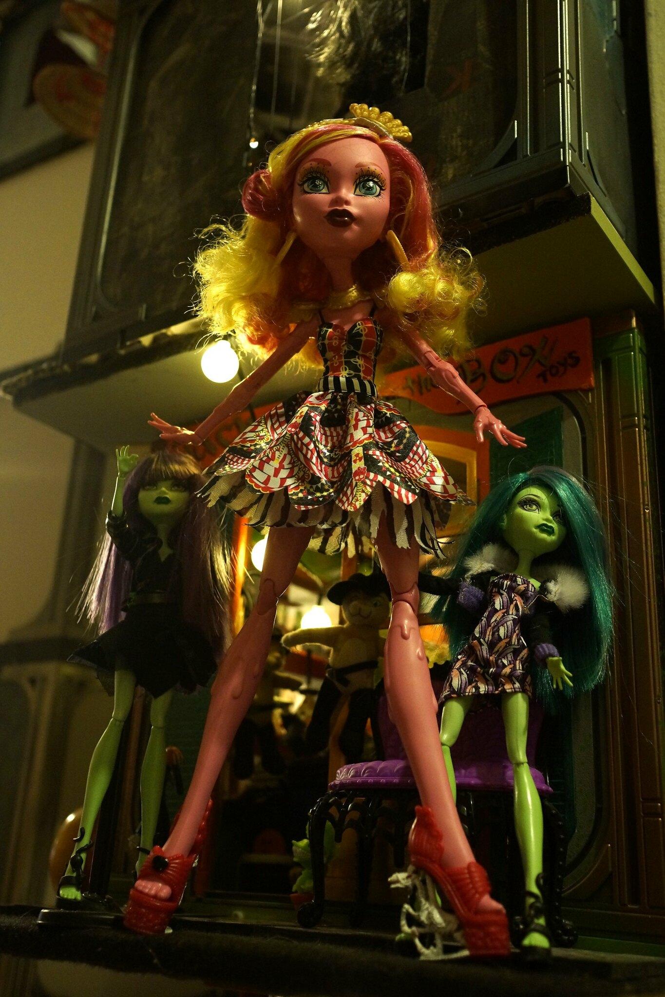 Mattelin Monster High - Sivu 11 23580903939_6e1b6a6ee8_k