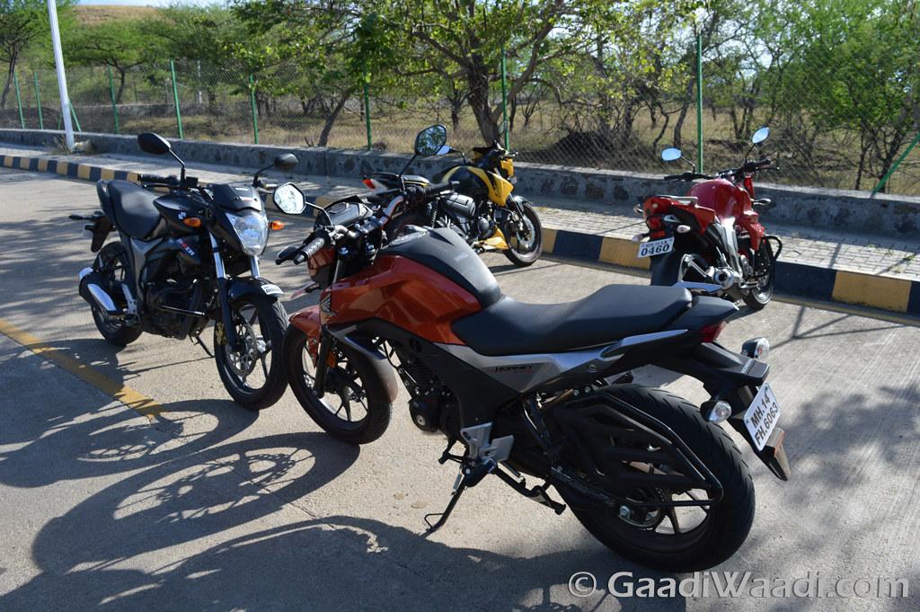Honda CB Hornet vs Suzuki Gixxer vs Yamaha FZ vs TVS Apache (18)