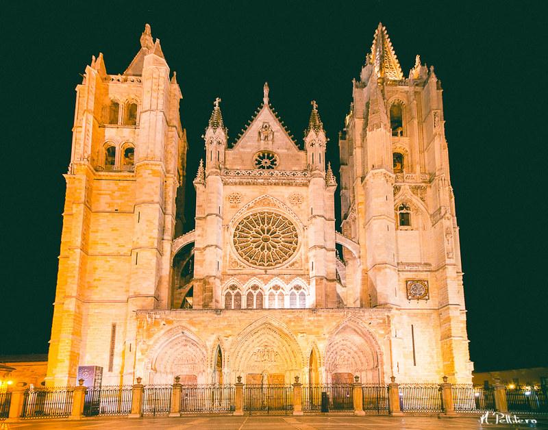 Catedral de León de frente
