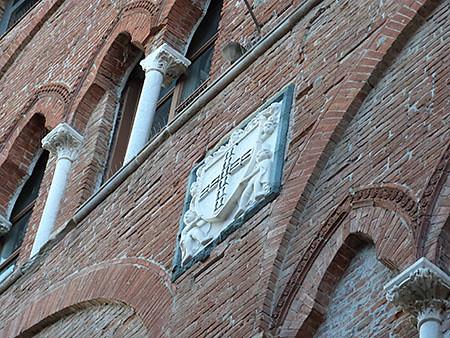 façade de la torre guinigi