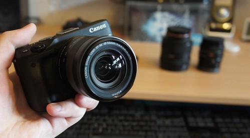 Canon EOS M3 kompaktiškas sisteminis fotoaparatas