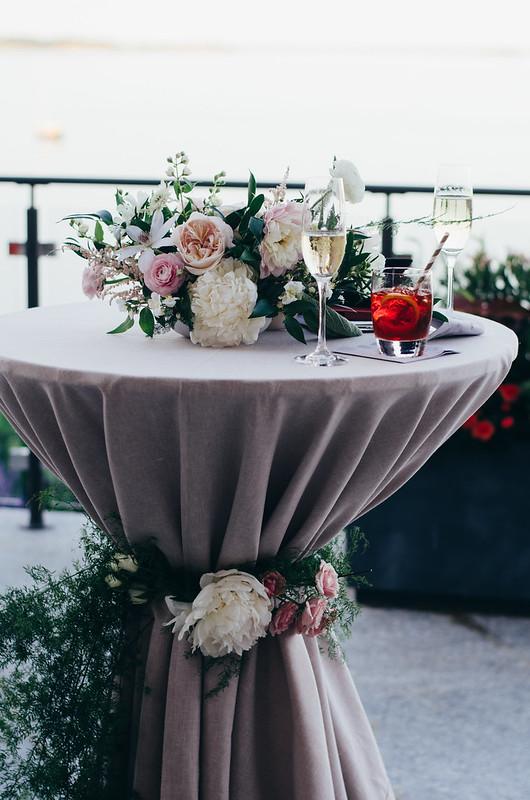 Styling-Lauren Wells, Florals- Boston Pollen, Photography- Juliette Laura on juliettelaura.blogspot.com