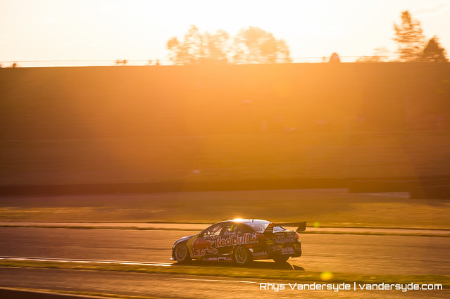 V8 Supercars - Sydney Motorsport Park SuperSprint 2015
