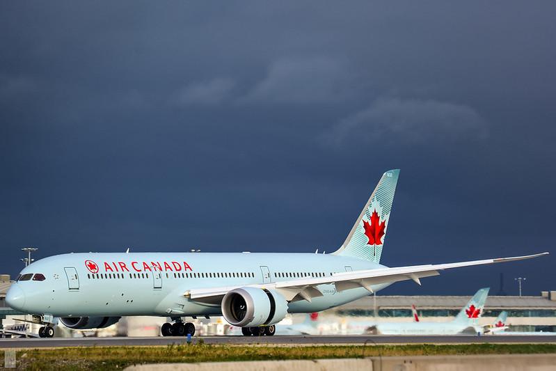 Air Canada Boeing 787-9 / C-FNOG / YYZ/CYYZ