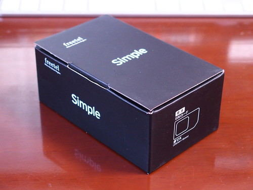 freetel Simple 箱