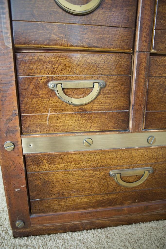 dresser details