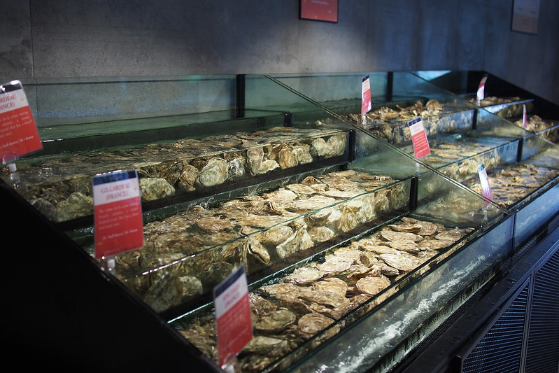 live oysters, Live Seafood Market. Emporium Shokuhin, Marina Square, 6 Raffles Boulevard, Singapore