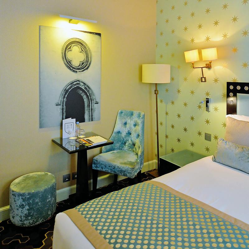 Hotel le Petit Paris typicalben