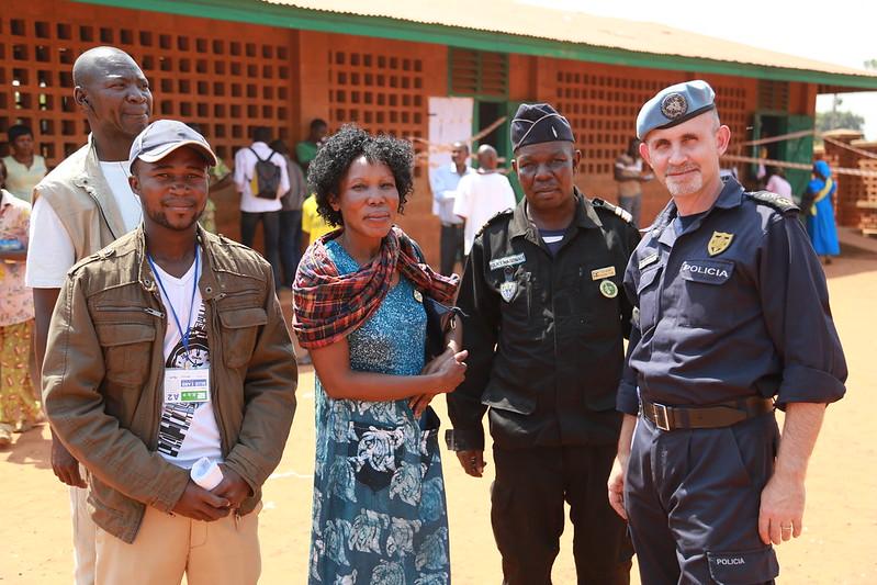 Intervention militaire en Centrafrique - Opération Sangaris - Page 21 23442140713_0e7b783584_c
