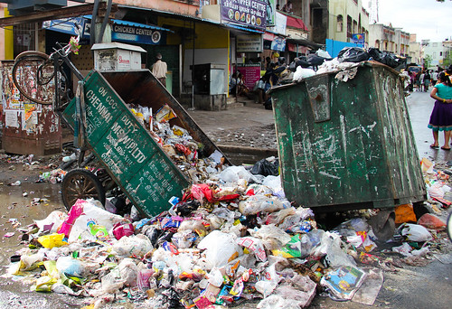Overflowing garbage; image from the 2015 Chennai floods