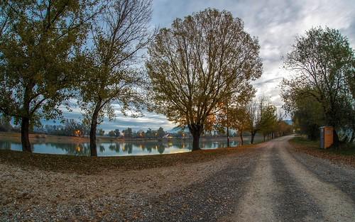 lakes lakezajarki zajarki autumn autumncolours morning hrvatska zaprešić croatia sunrise cloudy clouds fisheye sigma1528fisheye nikond600