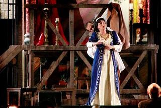 Noicattaro. Il soprano Grazia Berardi front