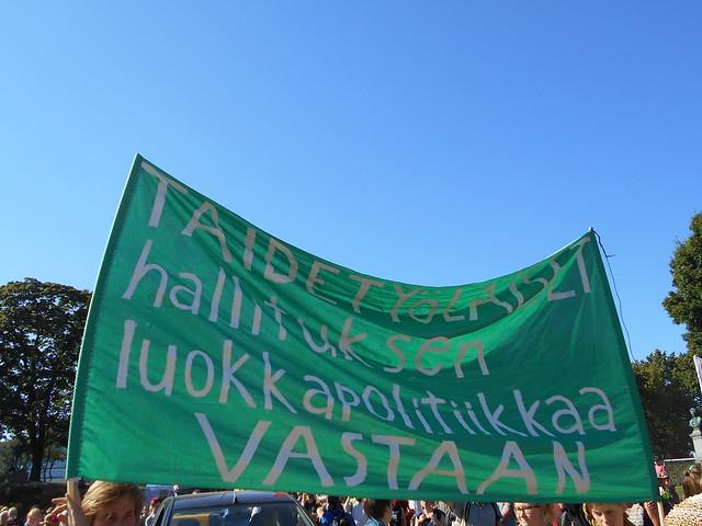 Mielenosoitus Helsingissä hallituksen leikkauspolitiikkaa vastaan 22.8.2015 - 2