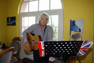 Uli Valnion singt in der Villa Pistoria