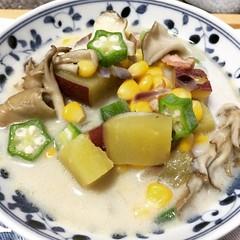 autumn-ish corn chowder (sweet potato, maitake, corn, okra, bacon, onion & soy milk)1st time trying this combo♡  #soup #cornchowder #japan
