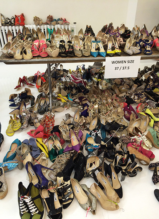 9c8724946af8b And if you happen to love bargains then this week's 2-day long Jimmy Choo  sample sale is where you buy it. The British brand's bi-annual shopping  event went ...