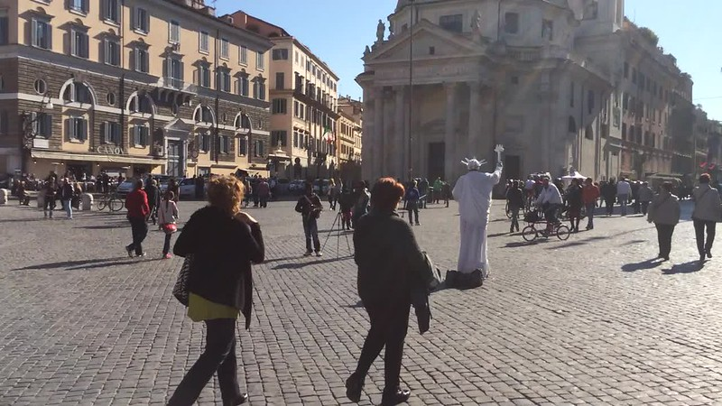 Starting free walking tour at Piazza del Popolo.