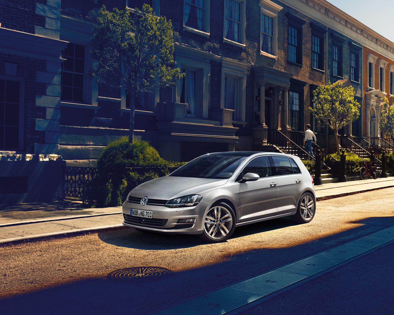 Цена Volkswagen Golf VII в России от 665 000 руб.