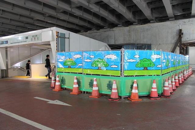 新宿三丁目駅と地下歩道と玉川上水 (7)