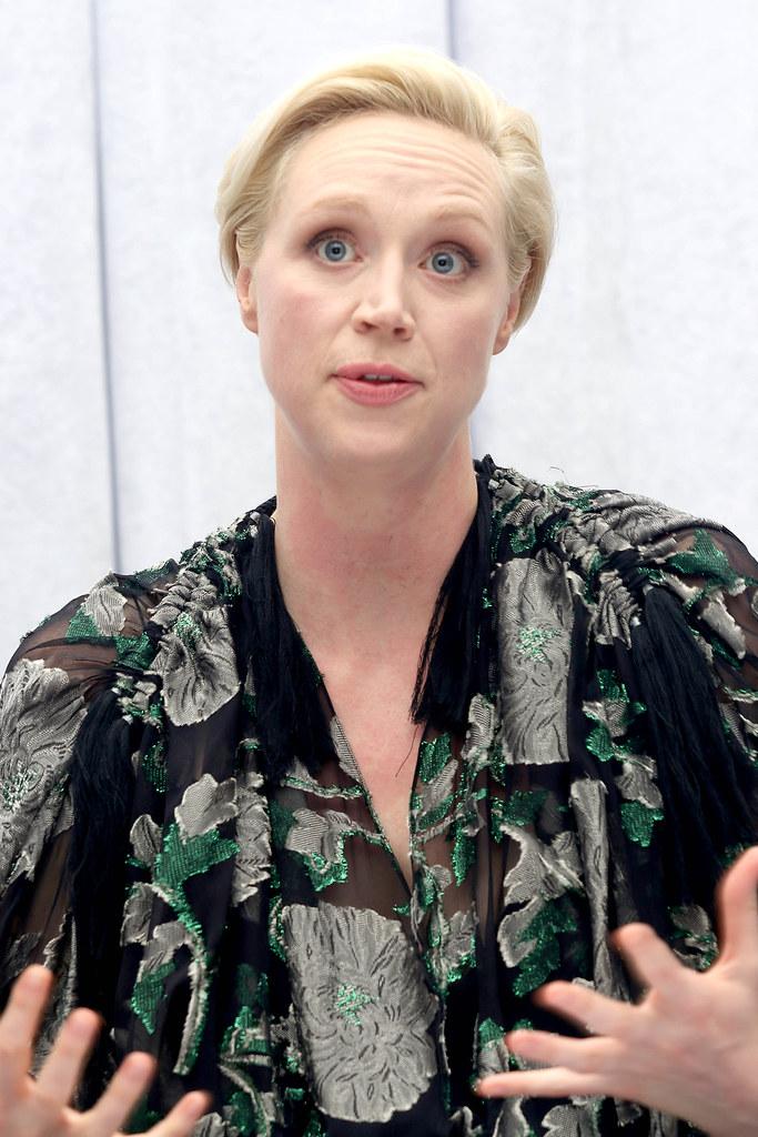 Гвендолин Кристи — Пресс-конференция «Звёздные войны» 2015 – 11
