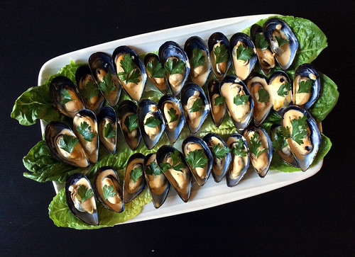 Chilled mussels with saffron aioli