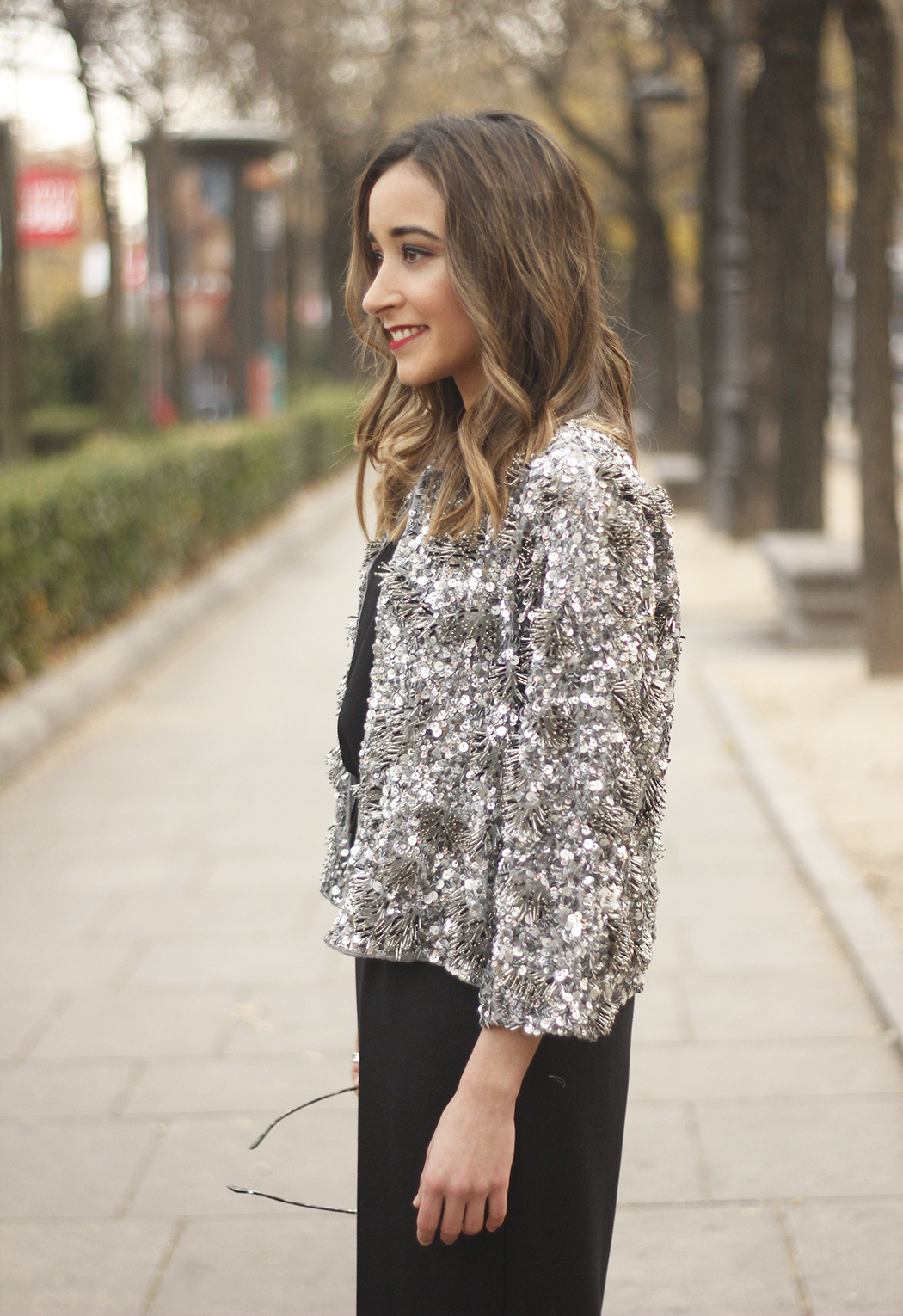 sequined jacket cropped trousers winter outfit black heels accessories streetstyle22