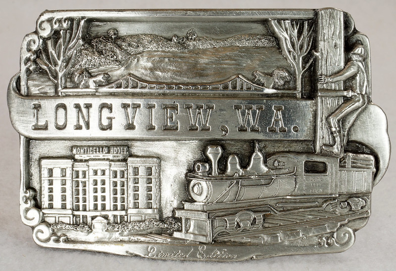 RD14449 1984 Siskiyou Belt Buckle LONGVIEW, WA Limited Edition Shay Locomotive, Monticello Hotel, Logger DSC06401