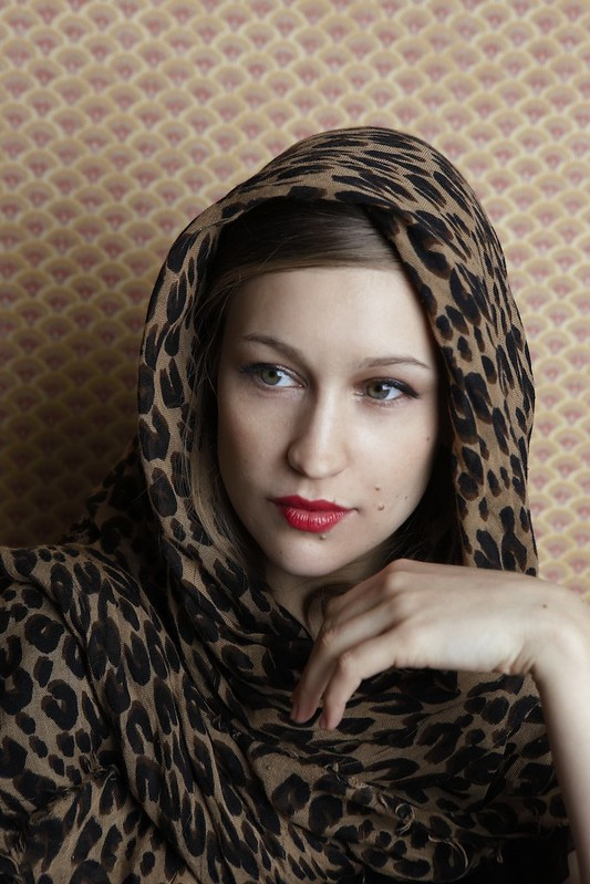 Joanna-Newsom-press-photo_by-Annabel-Mehran