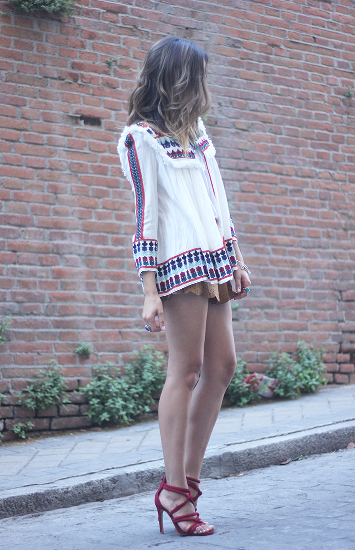 embroidered jacket summer outfit streetstyle suede shorts03