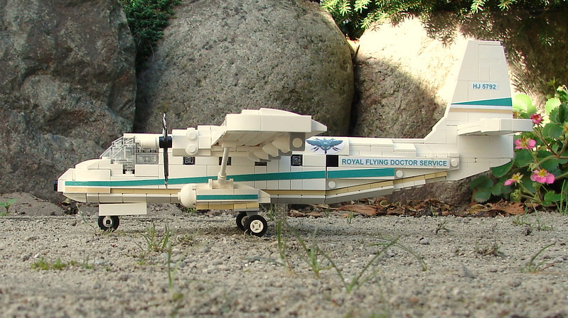 Royal flying doctor service n22 nomad a lego creation for Nomad service