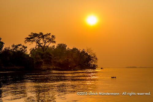 africa travel sun holiday nature sunrise vakantie natur natuur safari afrika za ferien zambia reise reizen zm zambeziriver lowerzambezinationalpark lusakaprovince 150900zambia