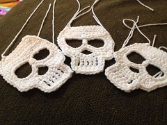 Not too bad for a few hours diversion. Need to finish a hat tomorrow. #crochet #skull