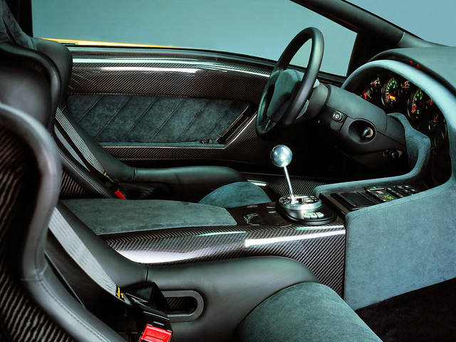 Салон Lamborghini Diablo GT. 1999 год